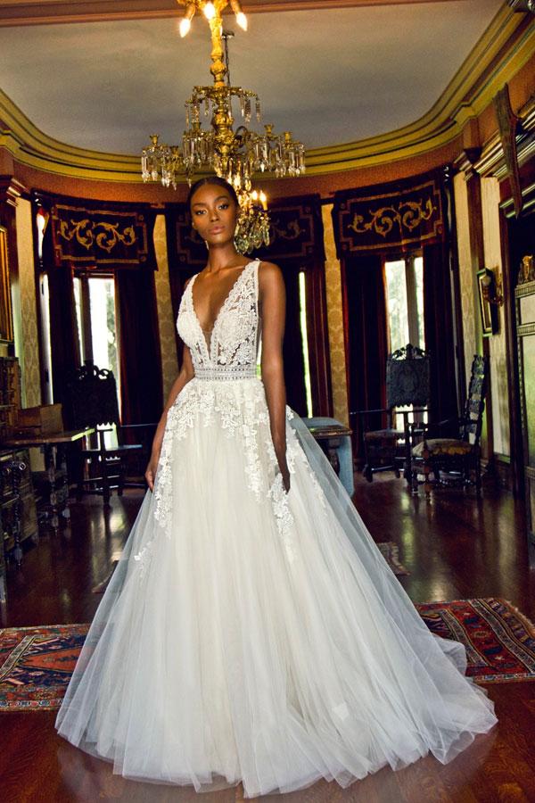 Ivory Elfenbeinfarbene Brautkleider zum Niederknien