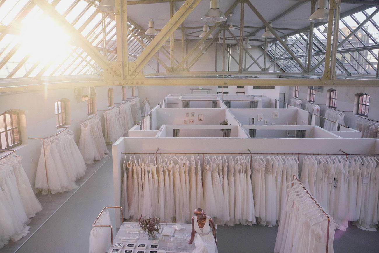 Brautmodengeschäft Berlin - Vanity Bridal mit Tageslicht